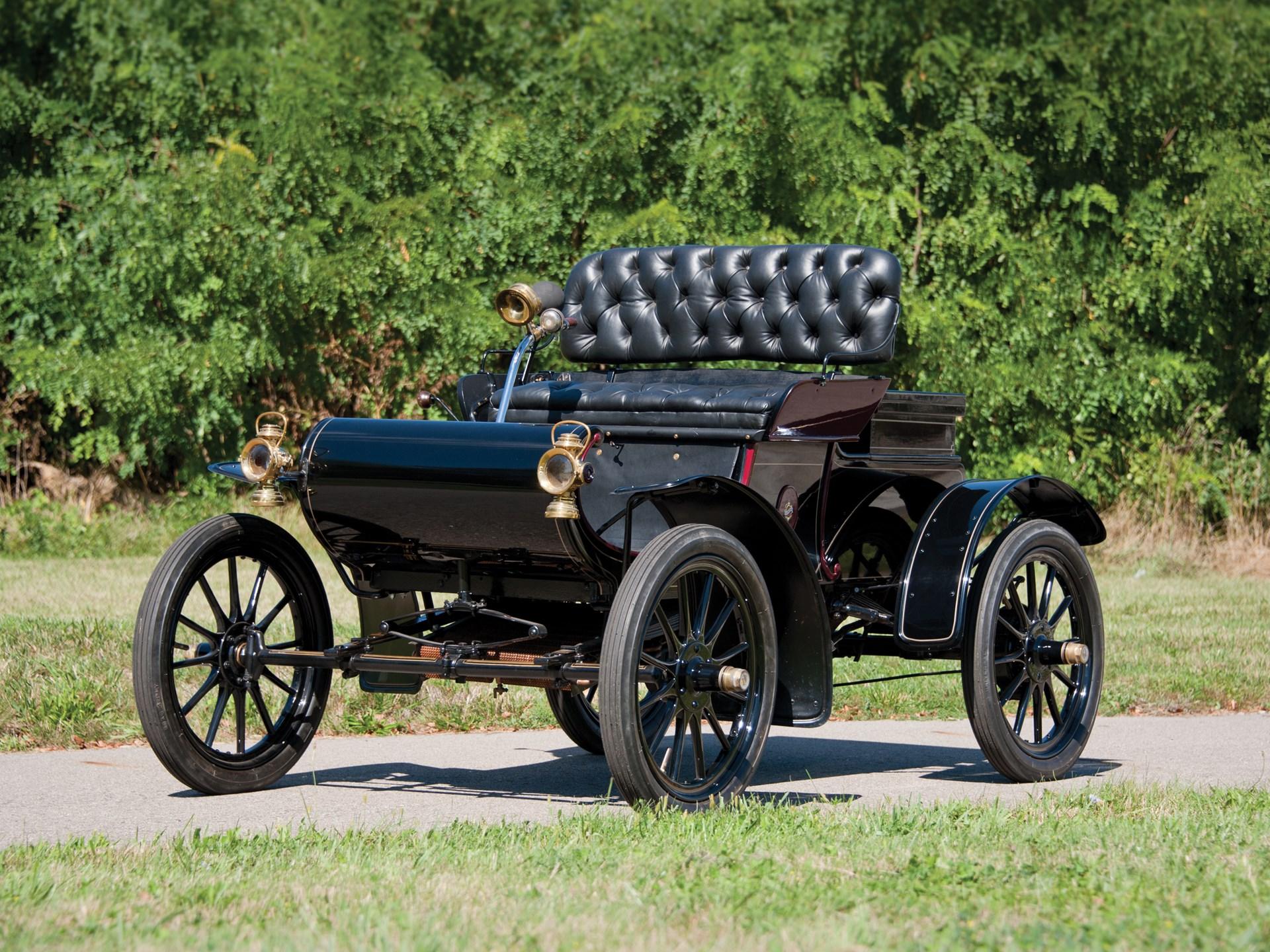 1905 Curved Dash Oldsmobile