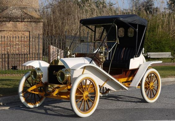 1909 Hupmobile Model 20 Two Passenger Runabout