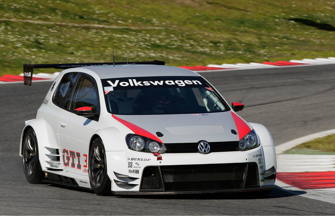 2011 Volkswagen Golf24