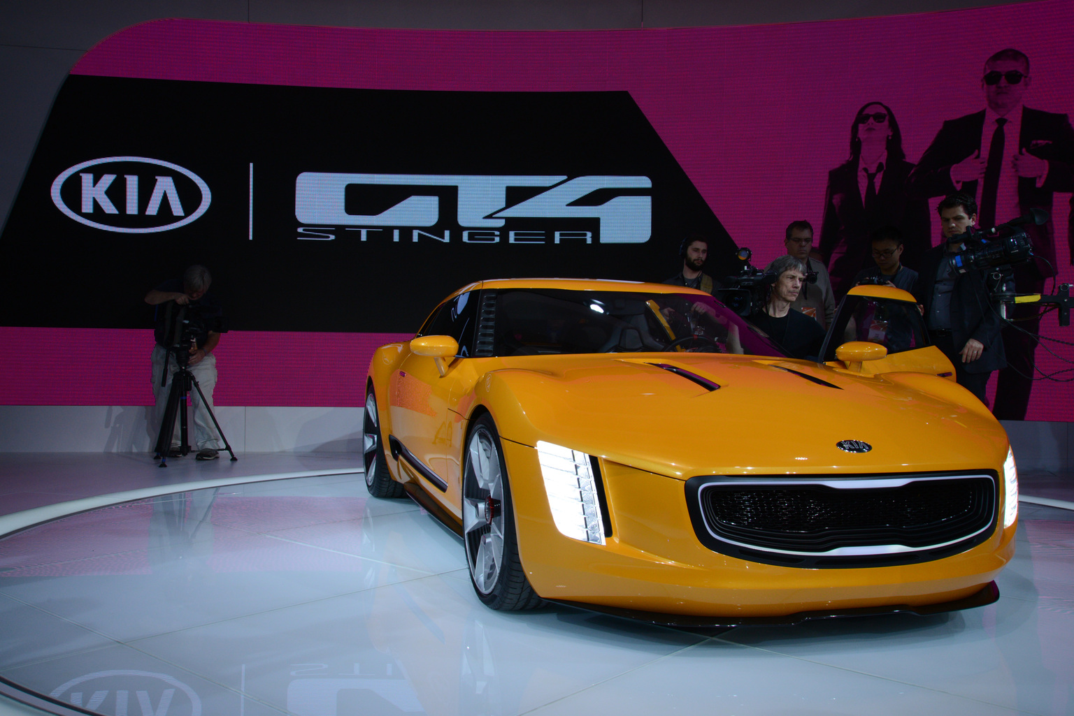 2014 kia gt4 stinger. Black Bedroom Furniture Sets. Home Design Ideas