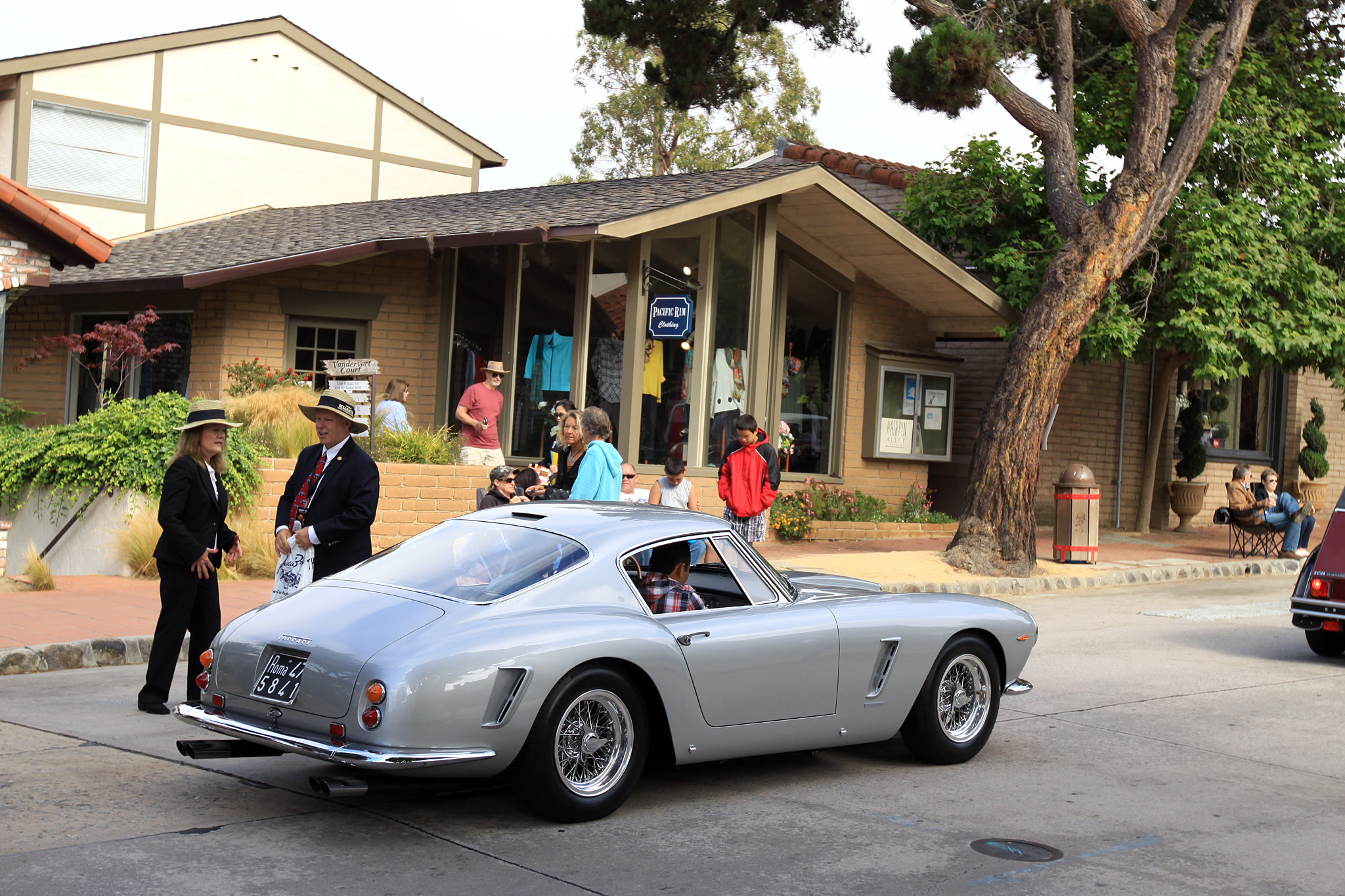 2014 Carmel-by-the-Sea Concours on the Avenue-3