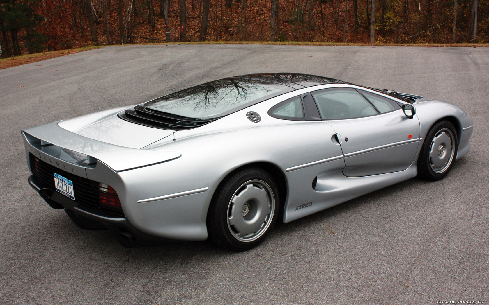 jaguar xj220 gallery. Black Bedroom Furniture Sets. Home Design Ideas