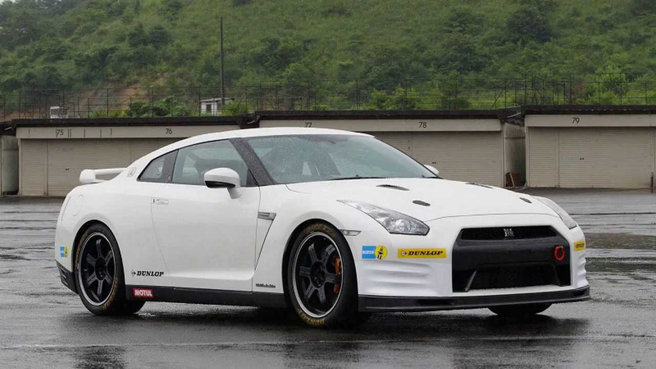 2011 Nissan GT-R Club Track Edition