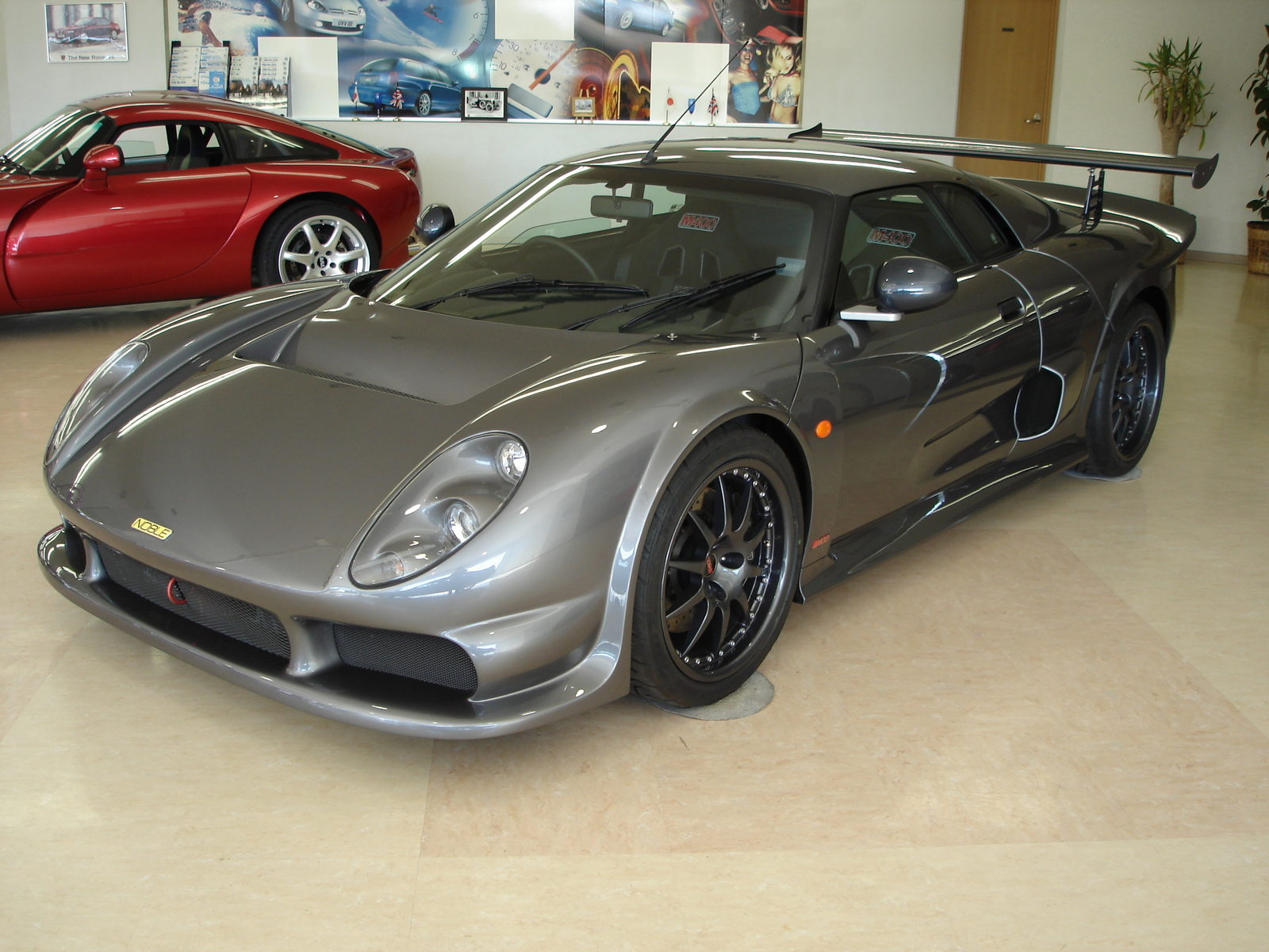 Noble M400 - Supercars...