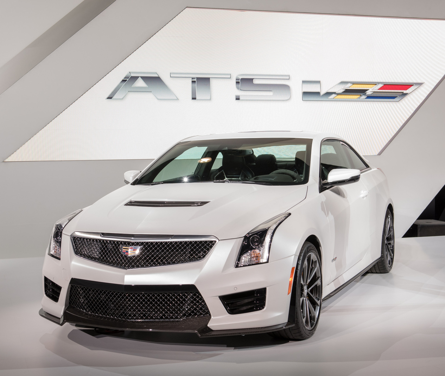 2016 Cadillac ATS-V Coupe | Review | SuperCars.net
