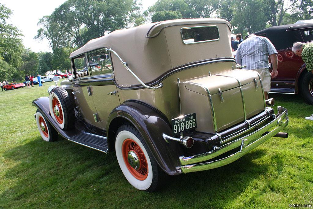 1932 Chrysler Imperial Eight