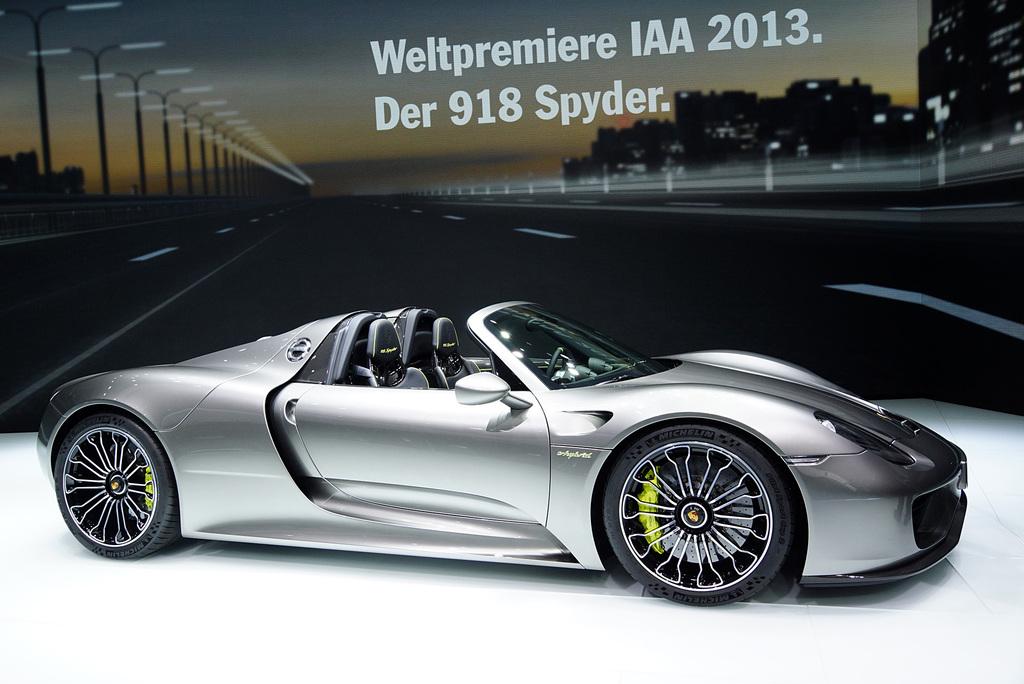2013 Porsche 918 Spyder Gallery