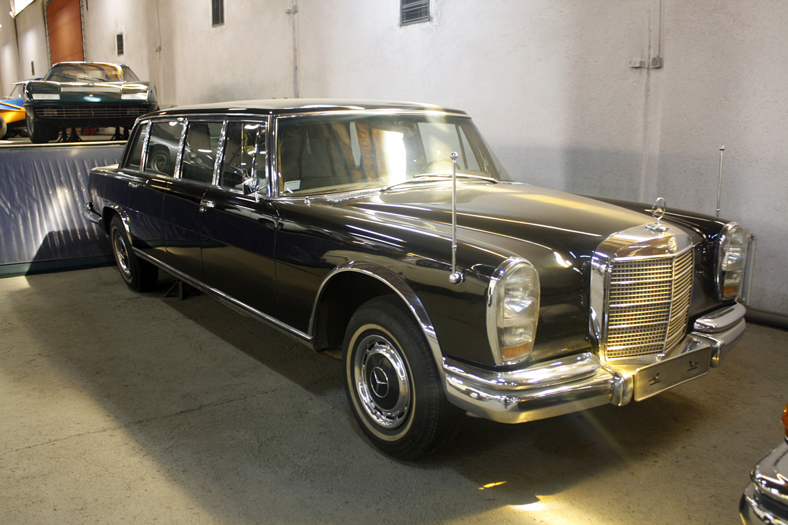 1963 mercedes benz 600 pullman limousine gallery gallery for Mercedes benz limo
