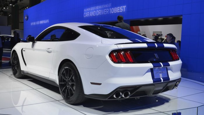 2015 Shelby GT350 Gallery