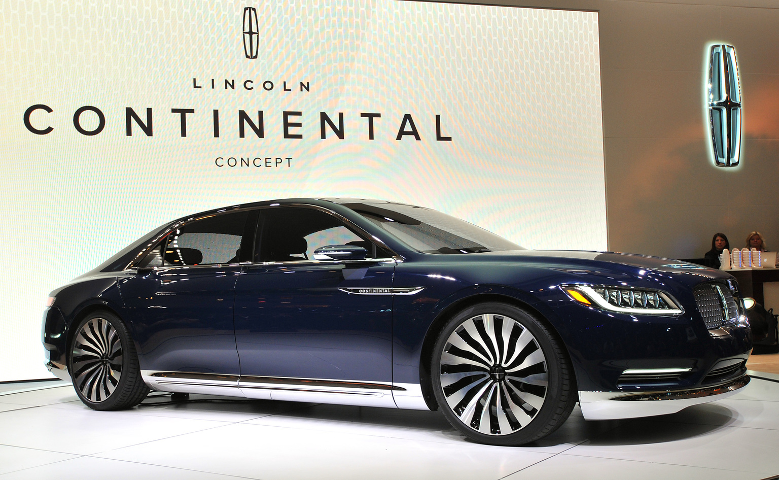 2015 lincoln continental concept gallery gallery. Black Bedroom Furniture Sets. Home Design Ideas