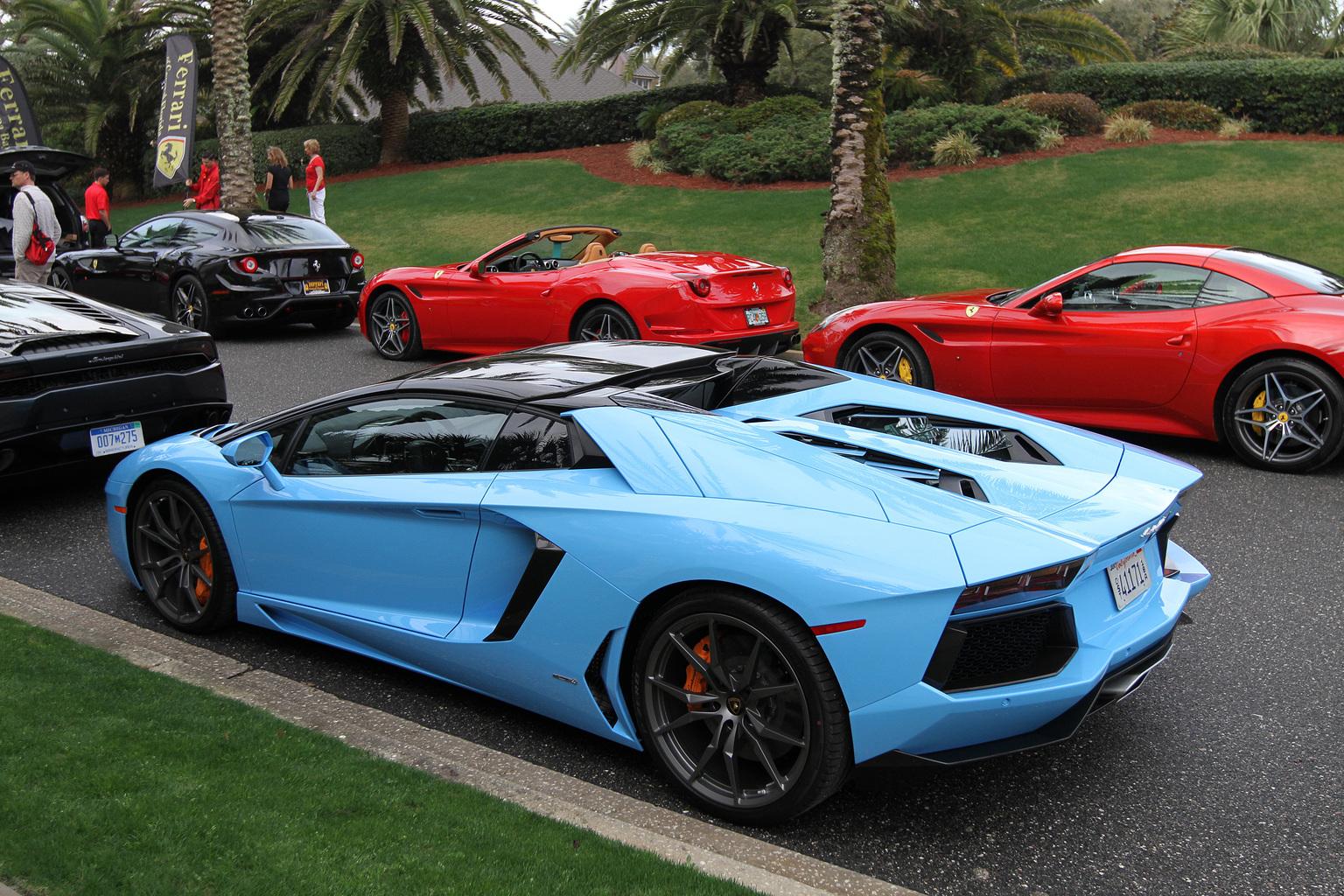 2012 Lamborghini Aventador LP 700-4 Roadster Gallery