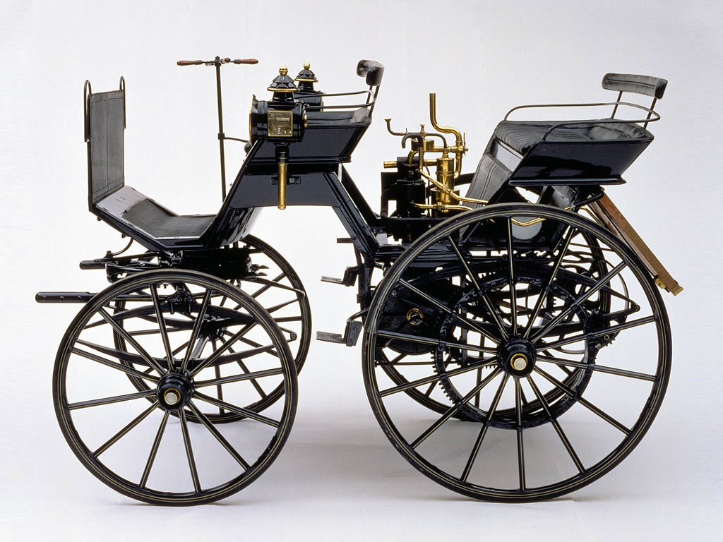 1886 Daimler Motorized Carriage