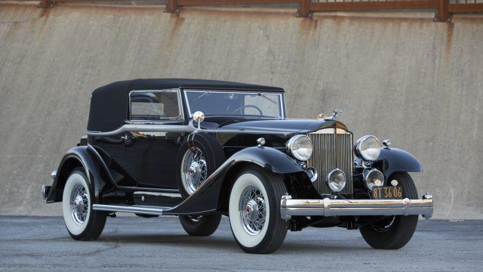 1933 Packard Super Eight Model 1004