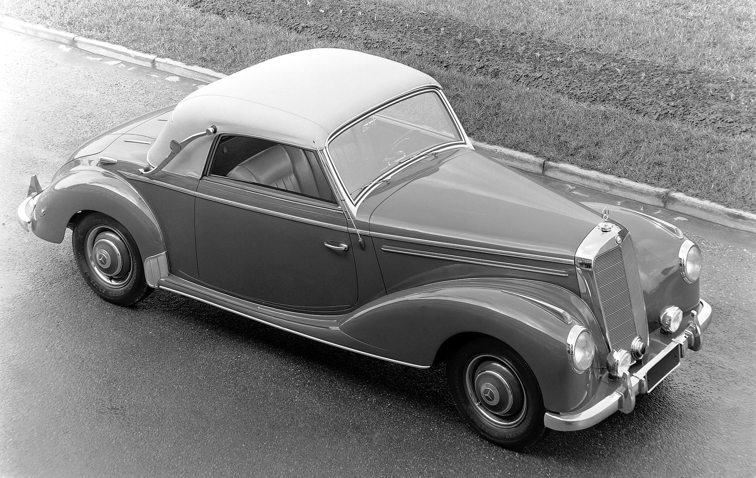 1951 1955 mercedes benz 220 cabriolet a review. Black Bedroom Furniture Sets. Home Design Ideas