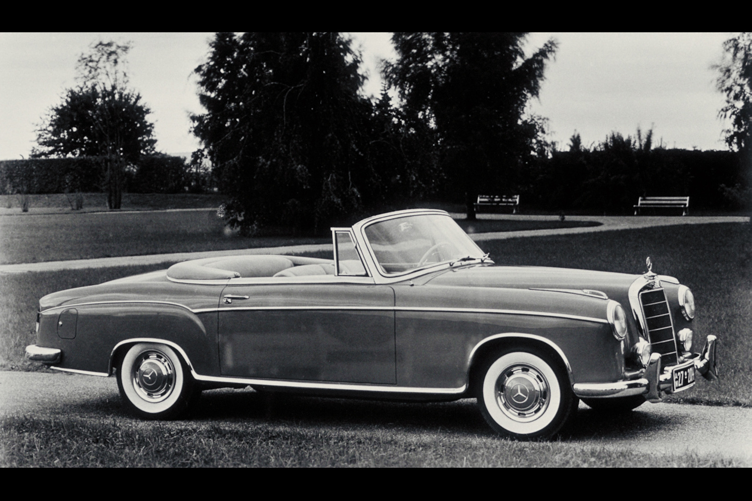 1958 1960 mercedes benz 220 se cabriolet for Mercedes benz cars pictures