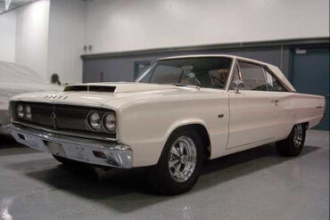 1967 Dodge HEMI Coronet Super Stock