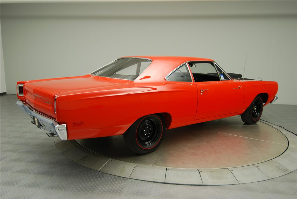 2015 Hellcat additionally Grand Spaulding Dodge Now Selling 2016 Hurst Heritage Gss Ram 1500 also What Is A Mopar 318 Polysphere And How  e Nobody Likes It further 1970 Plymouth Superbird Convertible besides 1970 DODGE CHALLENGER RESTO MOD 90935. on dodge 440 v8 engine