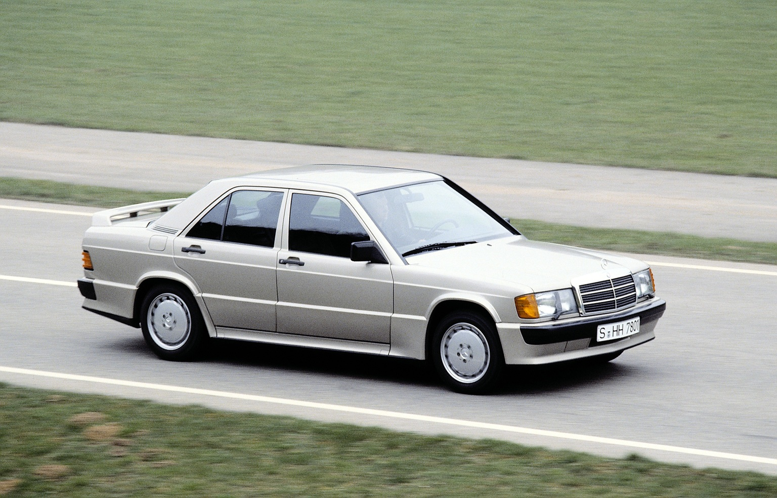 1983 mercedes benz 190 e 2 3 16 review. Black Bedroom Furniture Sets. Home Design Ideas