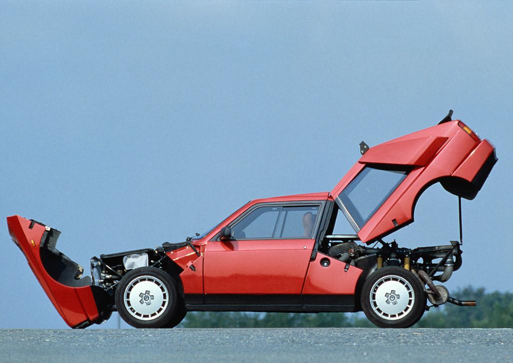 1985_Lancia_DeltaS4Stradale2