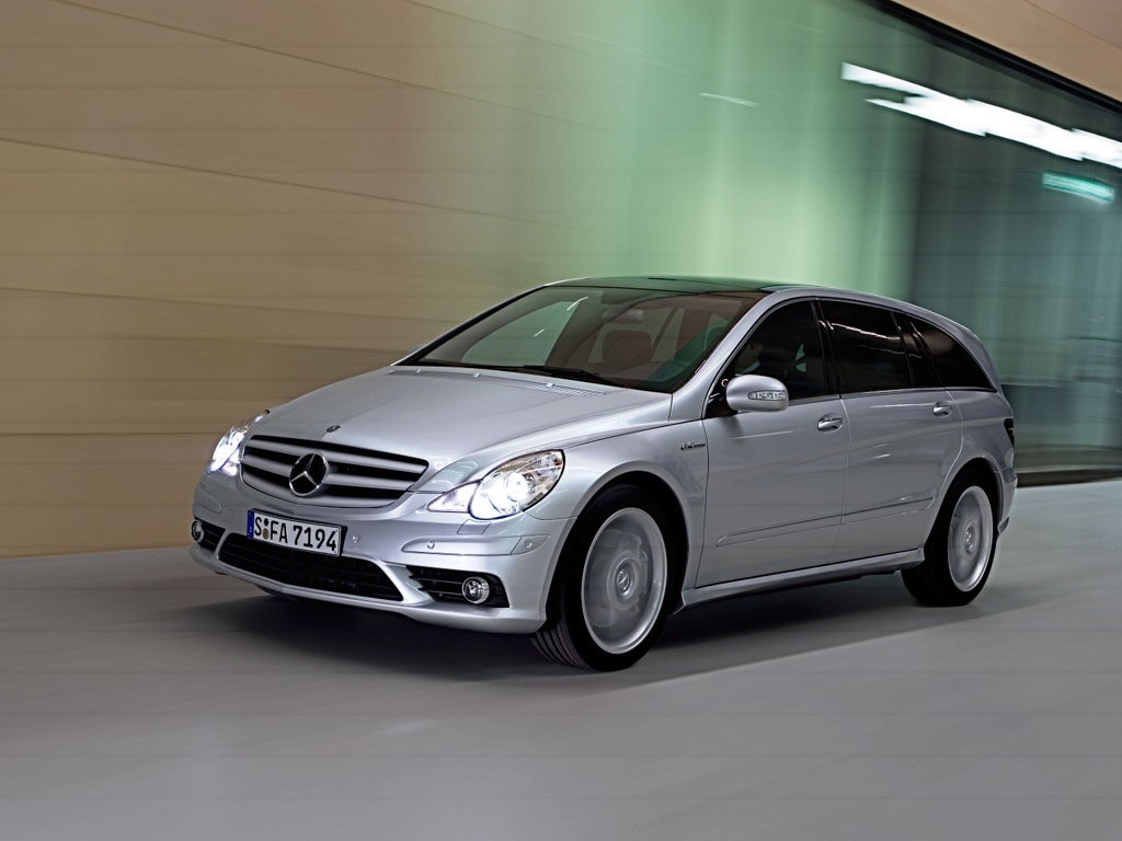 2006 mercedes benz r 63 amg review for Mercedes benz suv 2006