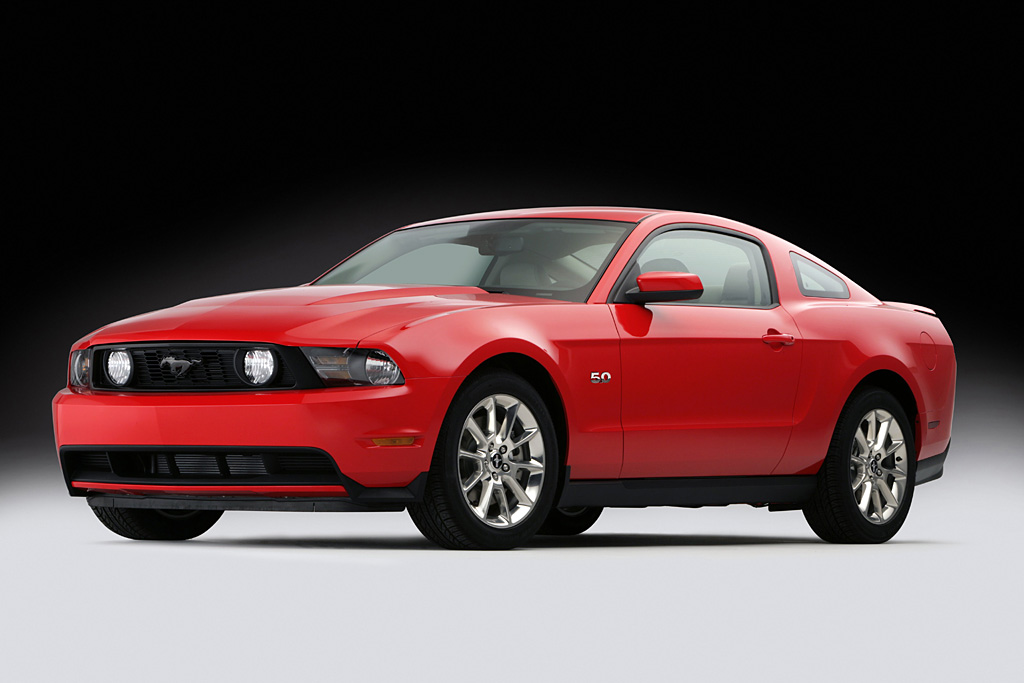 Muscular fenders and wide wheel openings give the Mustang GT a taut, athletic look. (12/28/09)