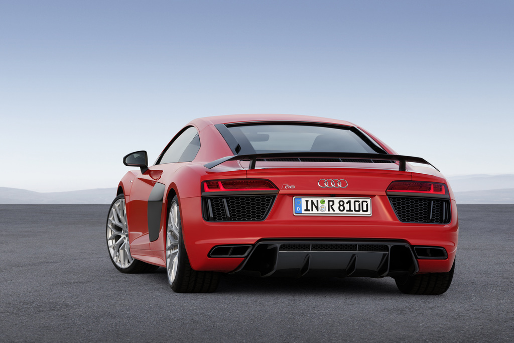Merveilleux Sales Of The New Audi R8 Start In Summer 2015. Prices Are 165,000 Euros For  The R8 V10 And 187,400 Euros For The Top Of The Range Version R8 V10 Plus.