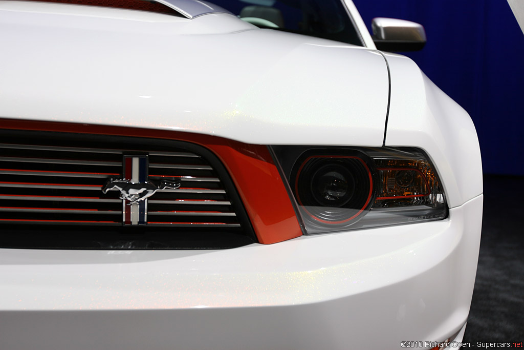 2011 Ford Mustang GT Coupe 5.0 Gallery