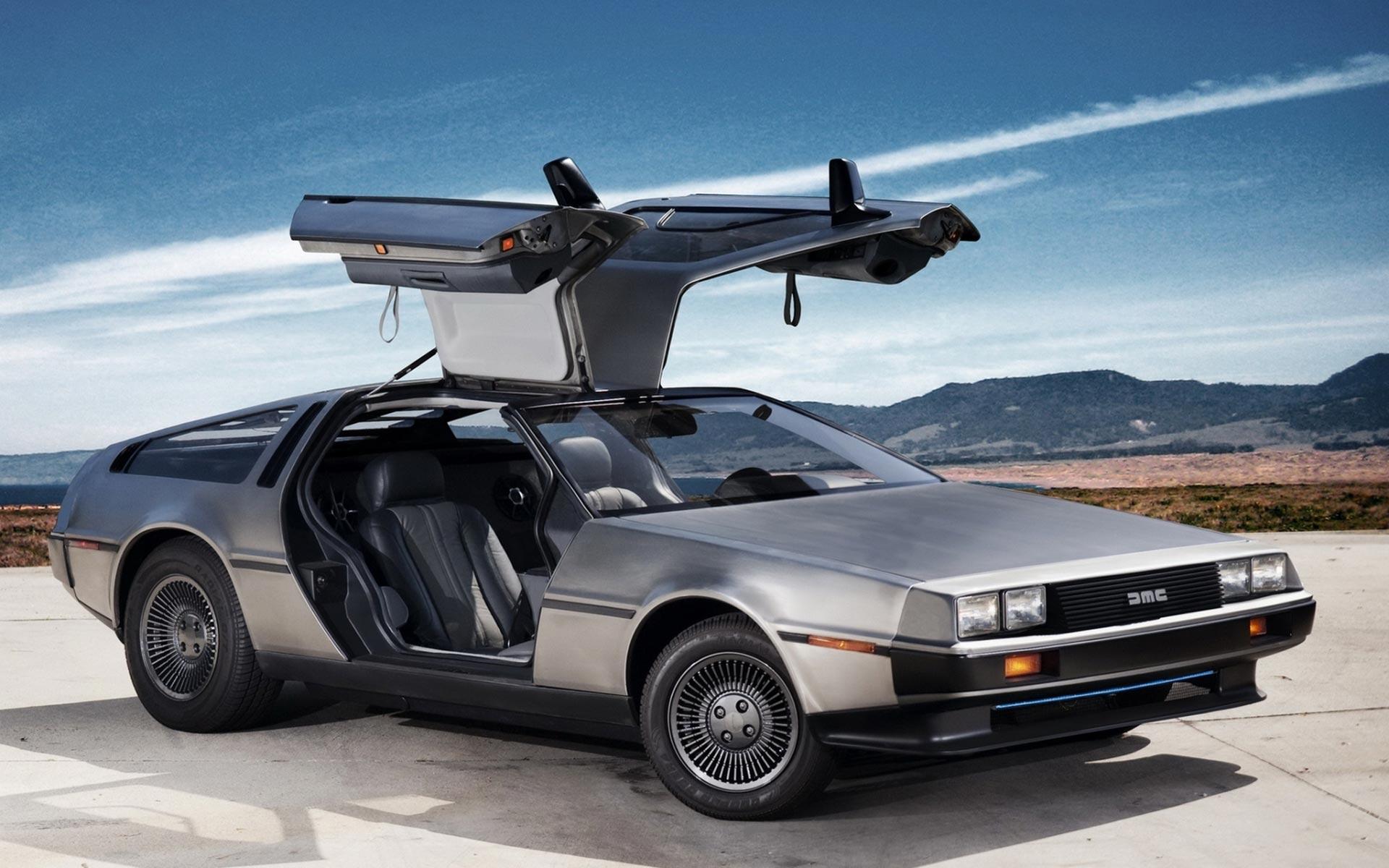 DeLorean-DMC-12.jpg