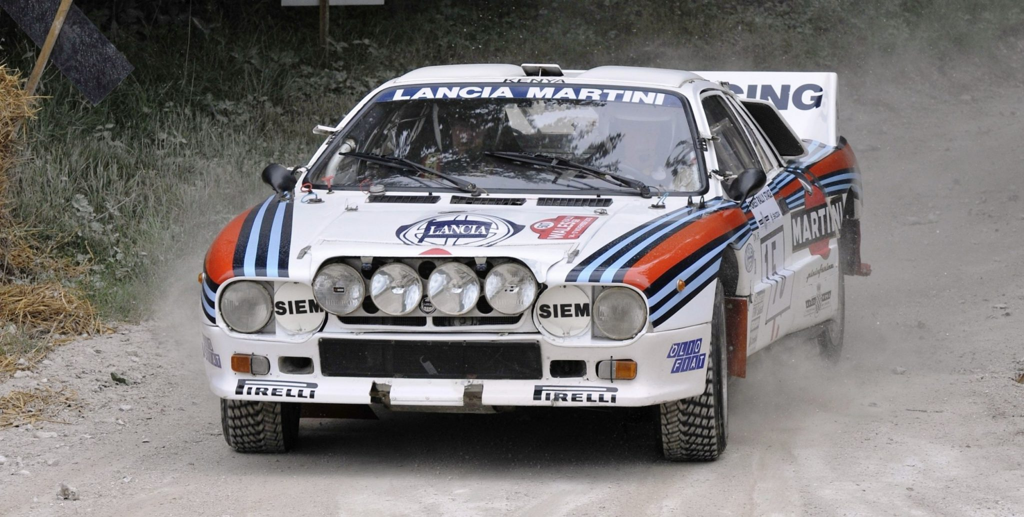 https://www.supercars.net/blog/wp-content/uploads/2016/05/Car-Revs-Daily.com-Rally-Legends-1983-Lancia-Beta-Montecarlo-and-1982-Lancia-037-at-Goodwood-2014-6.jpg