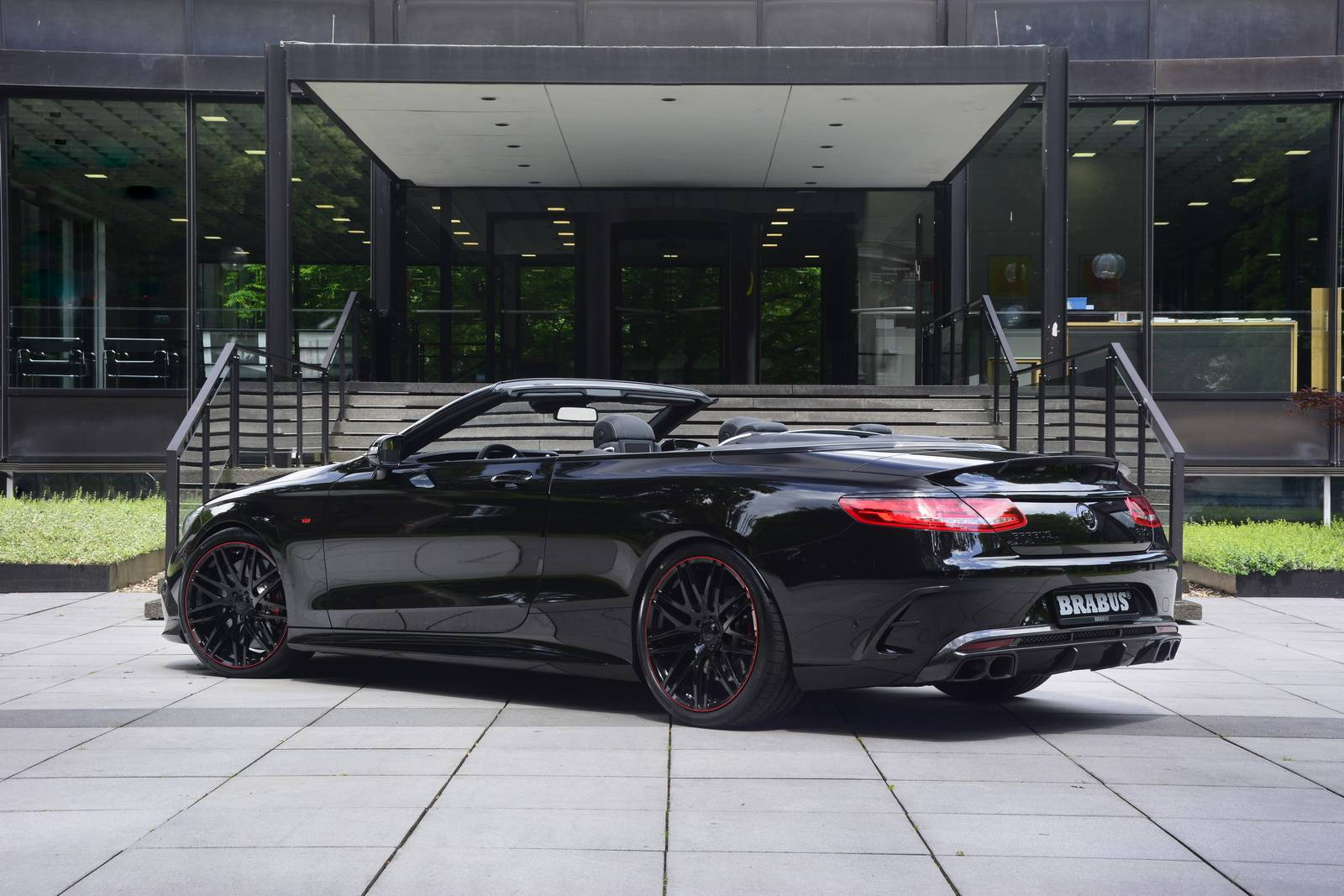 Brabus-Mercedes-Benz-S63-AMG-Cabrio-2 | | SuperCars.net