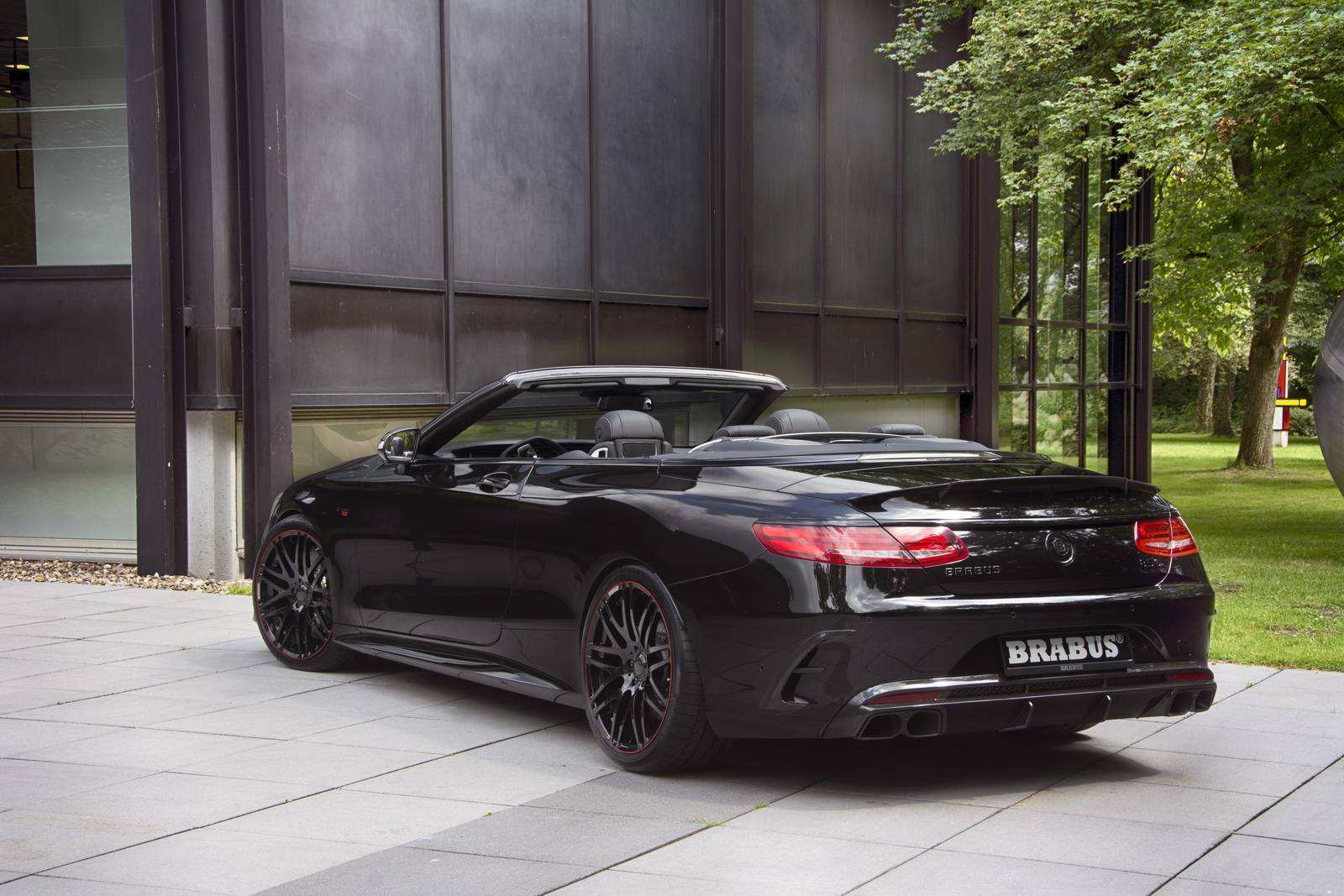 https://www.supercars.net/blog/wp-content/uploads/2016/06/Brabus-Mercedes-Benz-S63-AMG-Cabriolet-13.jpg