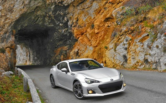 Subaru_BRZ_Car_HD_Wallpaper_06_medium