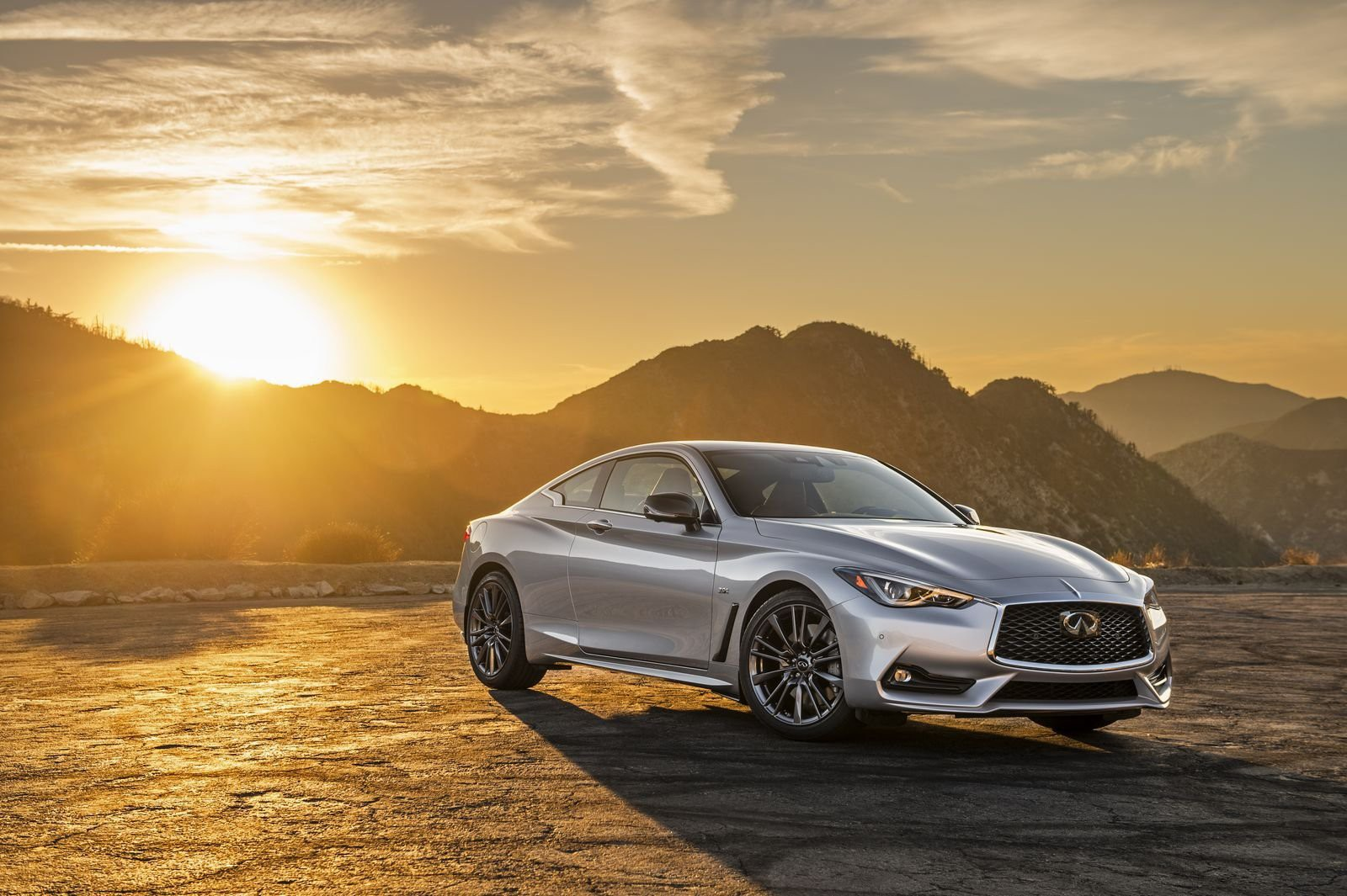 Download Infiniti Q60 30T HD Wallpaper