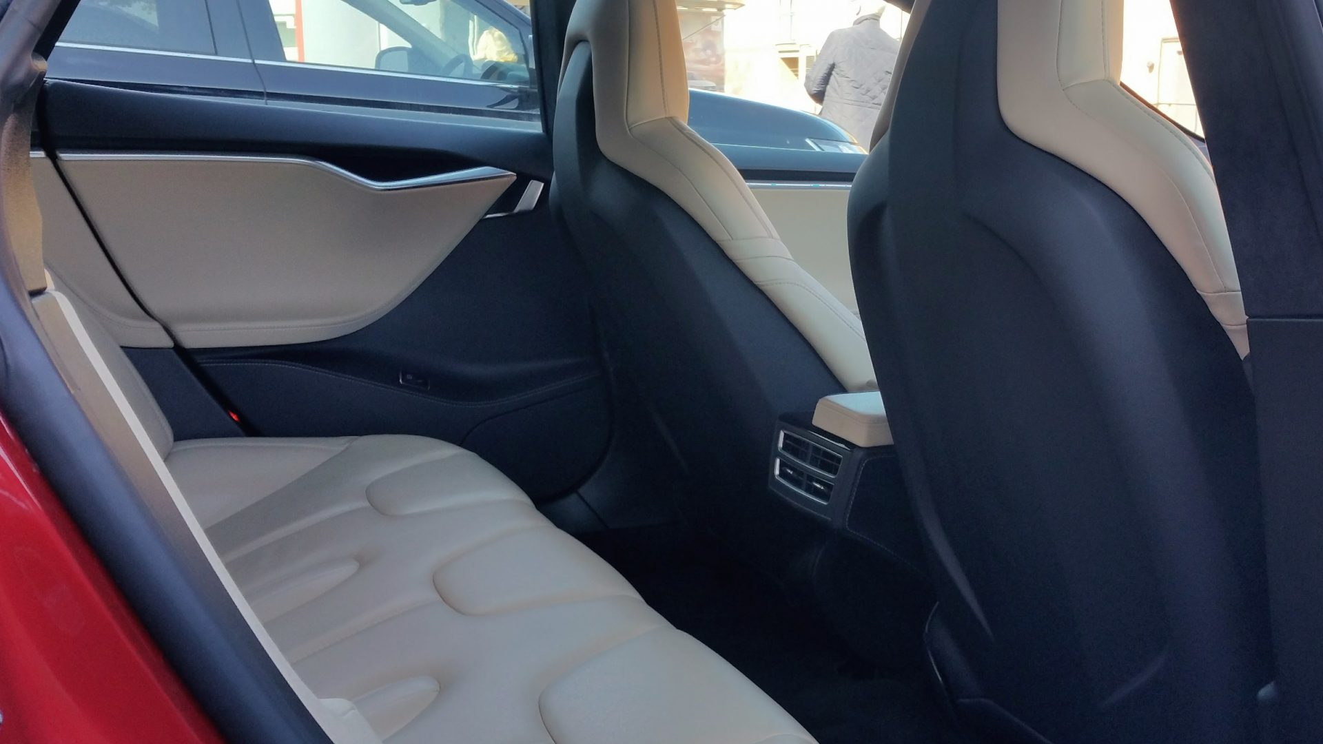 Tesla Model S Rear Seat Interior | Photo Credit Jack Matthews McMotorsCars.Blogspot.co.uk