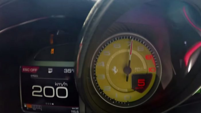 This Will Show You Just How Fast is the Ferrari 812 Superfast