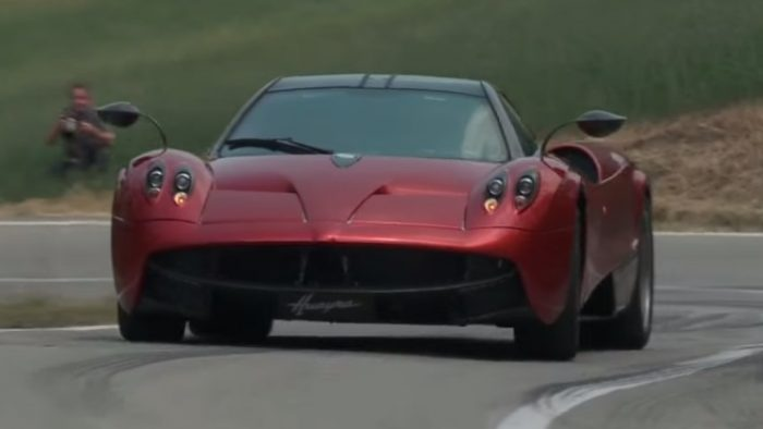 The 720hp Beast Pagani Huayra - Review