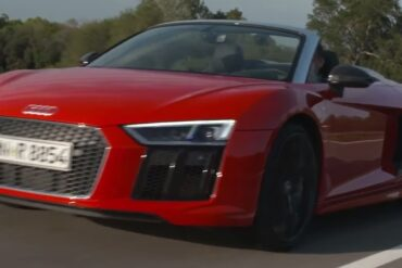 The 2017 Audi R8 Spyder V10 is so Loud