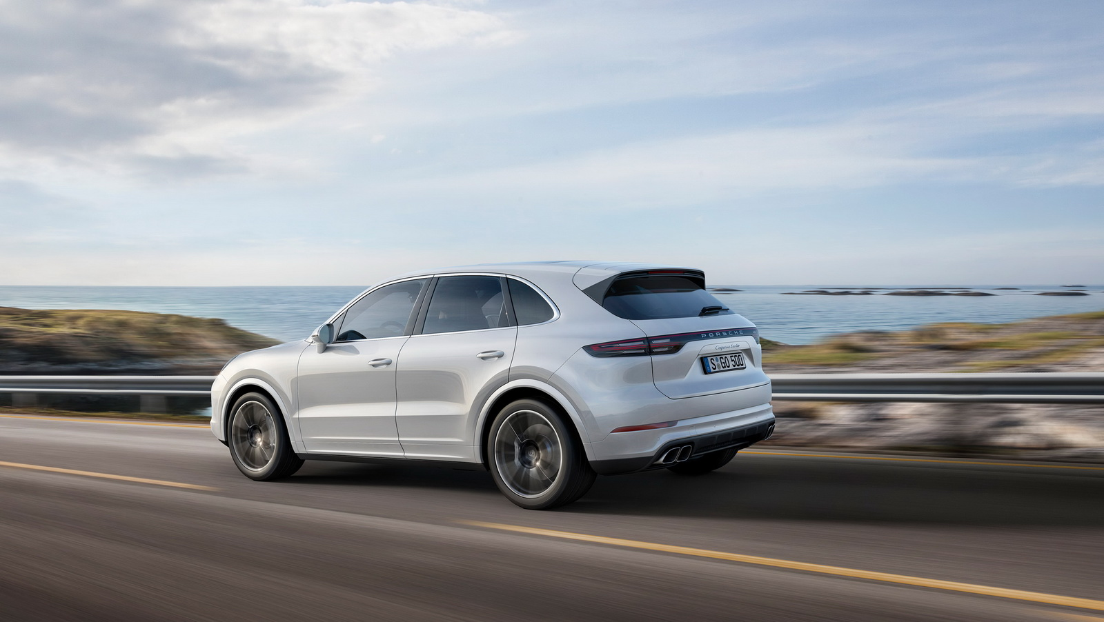 2018 porsche cayenne turbo unveiled at the 2017 frankfurt motor show. Black Bedroom Furniture Sets. Home Design Ideas