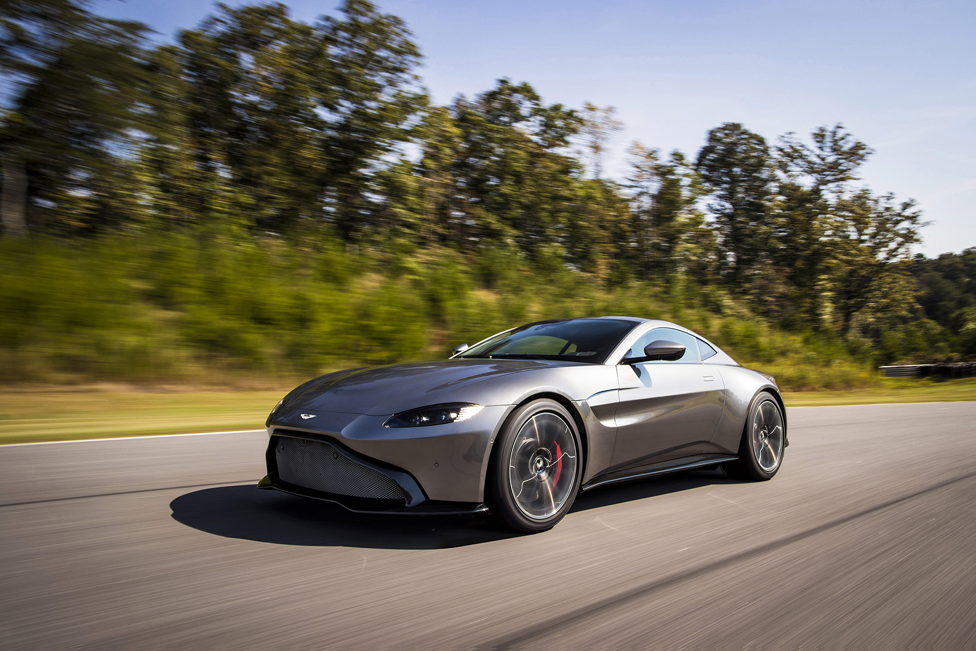 Aston Martin Just Announced The New Vantage And It s A 503 Hp Twin