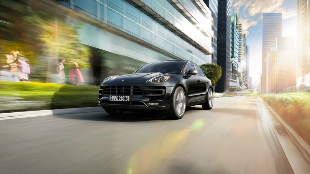 Porsche Macan Turbo (With Performance Package)