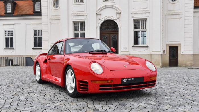 Porsche 959 front view, photo courtesy Porsche newsroom, this car is a mY 1988 version