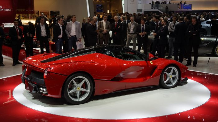 Ferrari LaFerrari Ultimate Guide 3