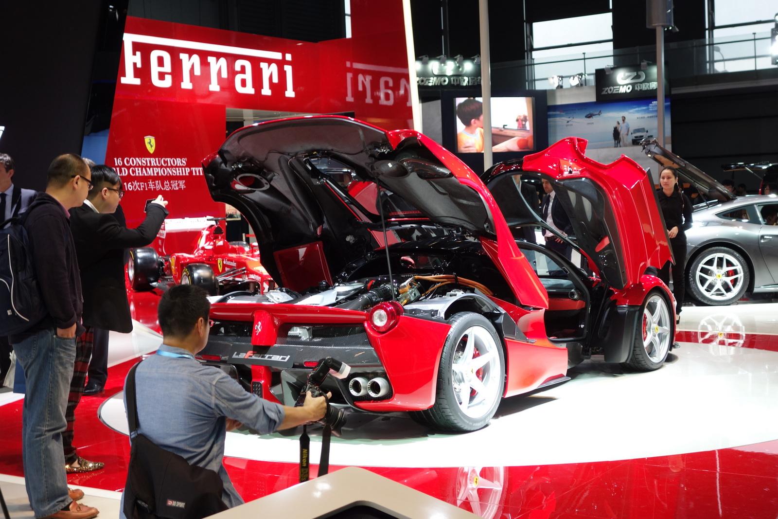 Ferrari LaFerrari Ultimate Guide 30