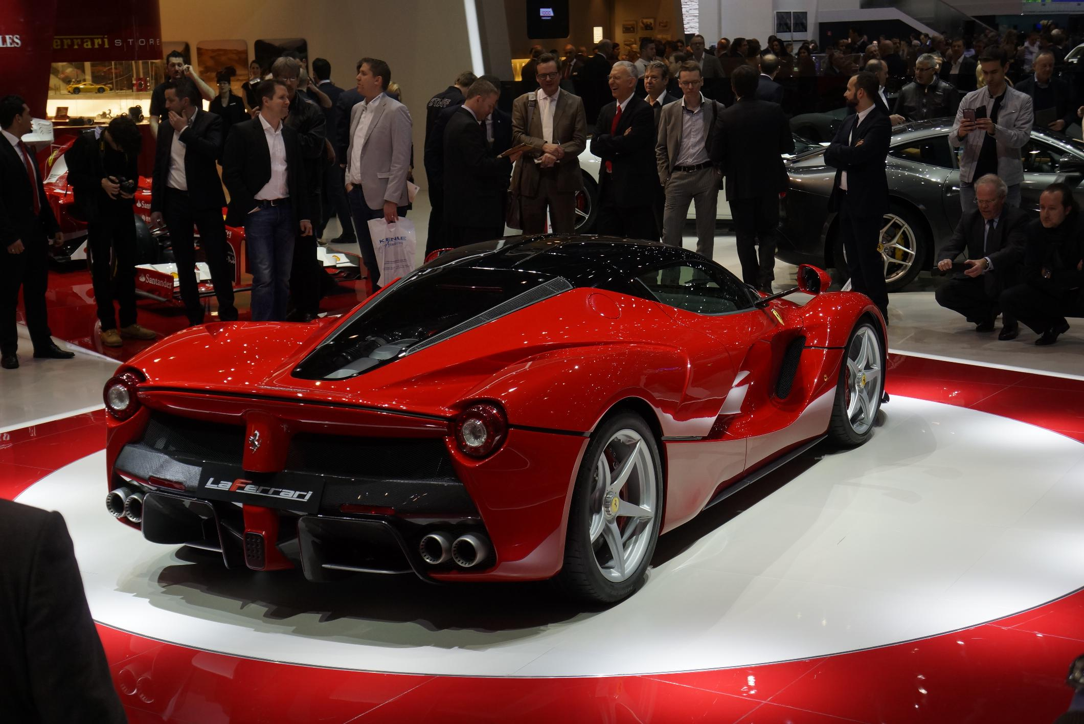 Ferrari LaFerrari Ultimate Guide 4