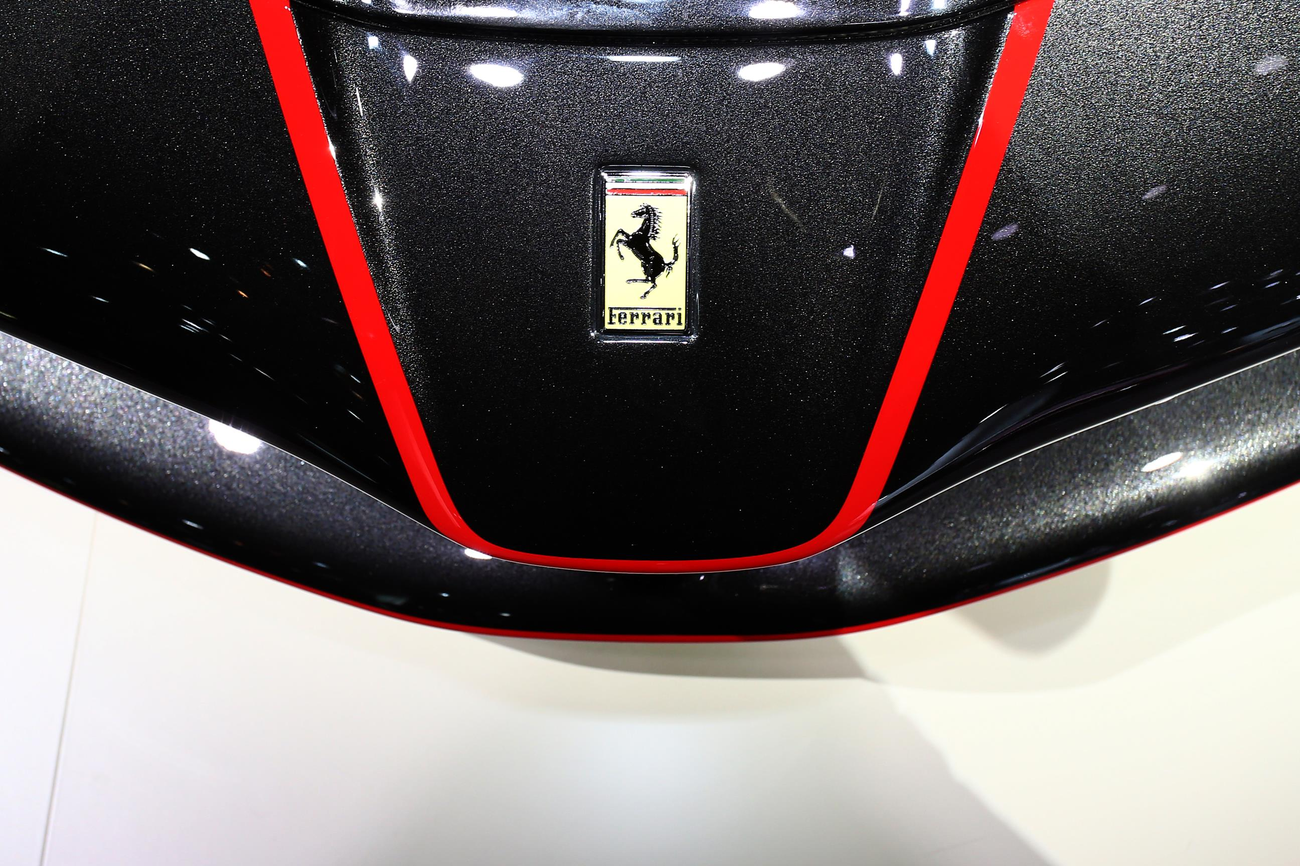 Ferrari LaFerrari Ultimate Guide 54