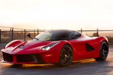 Ferrari LaFerrari Ultimate Guide 57