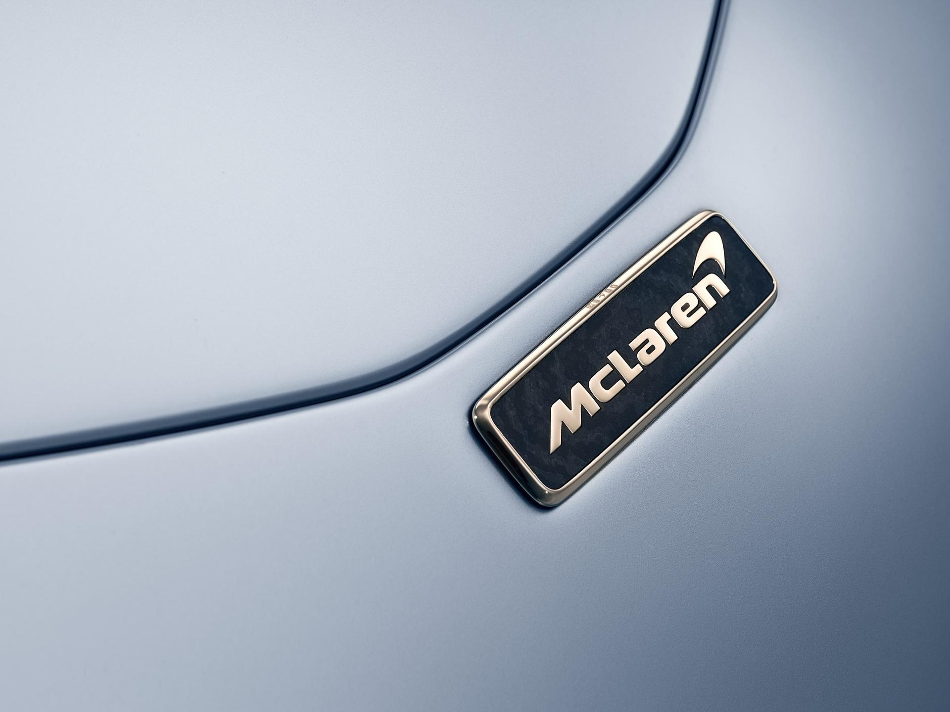 McLaren Speedtail Hood Badge