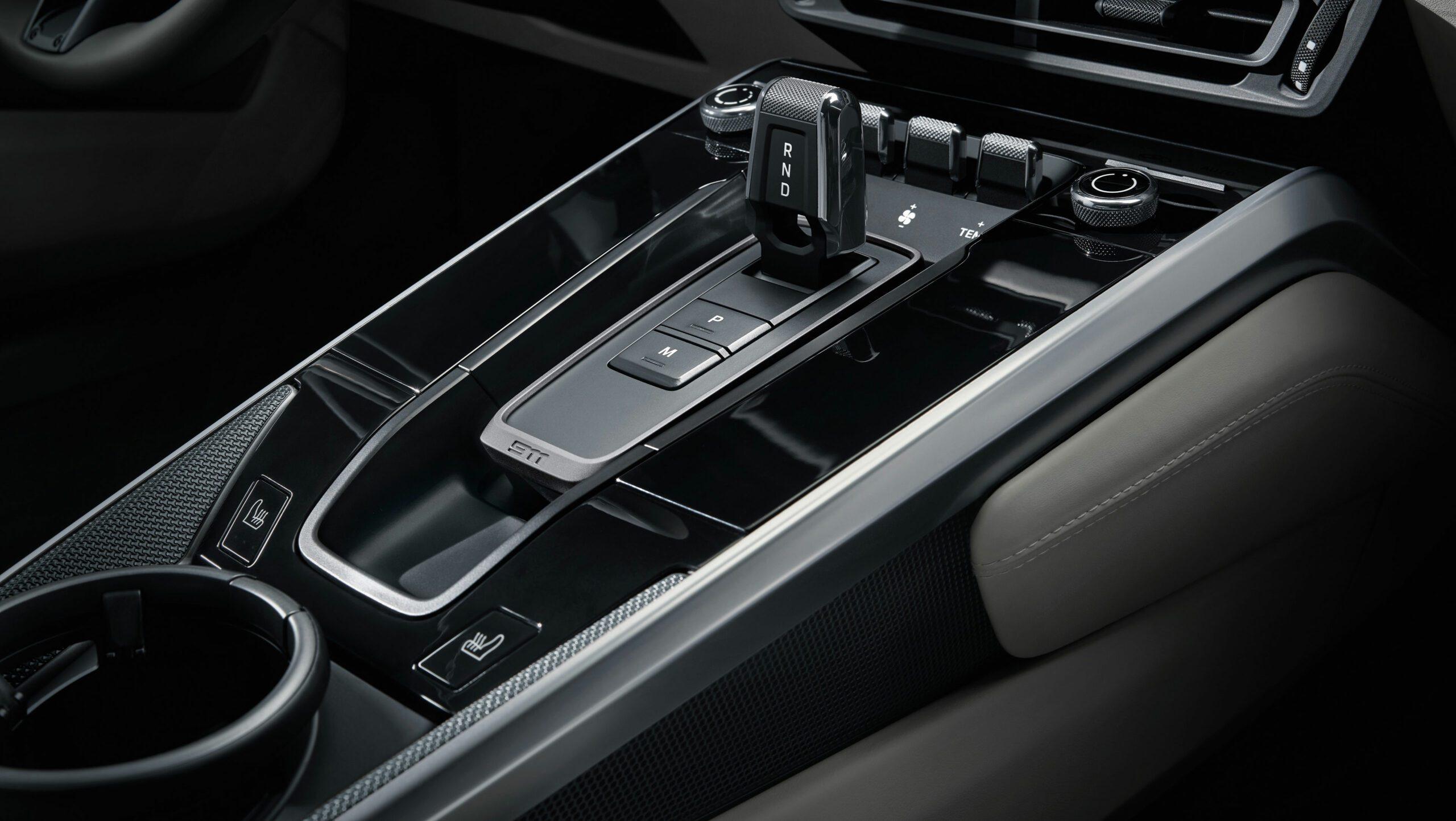 2020 911 Carrera 4S Interior