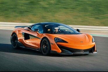 2019 McLaren 600LT frontal view