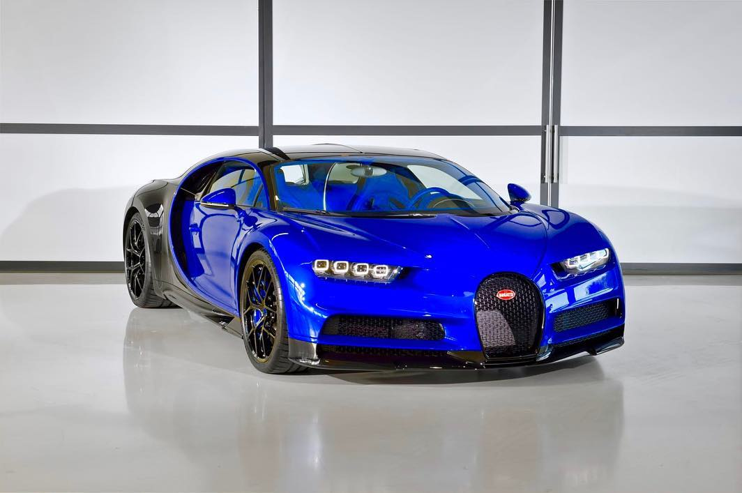 The First Bugatti Chiron Sport Delivered Is Beautiful In Blue And Black News Supercars Net